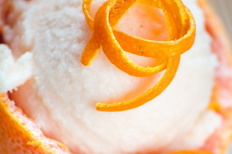 Las naranjas rellenas es una receta fácil y deliciosa