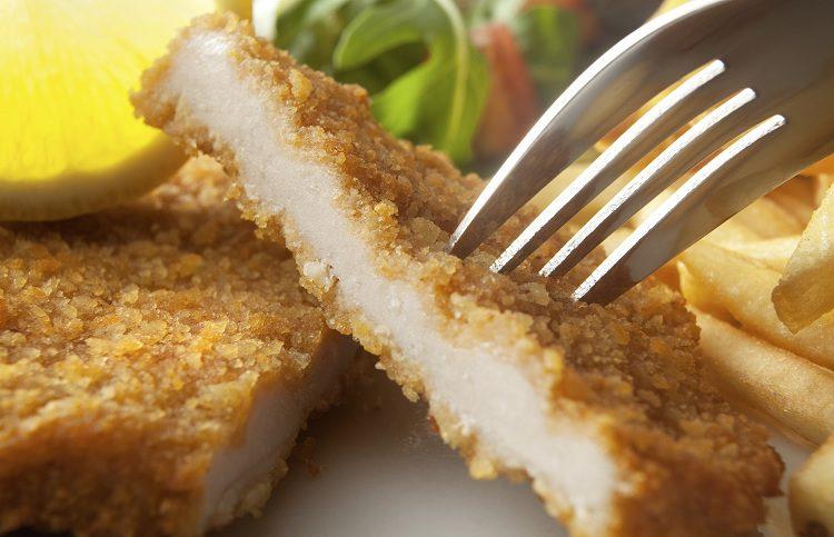 La milanesa de puré con patatas es un plato que encantará a pequeños y grandes