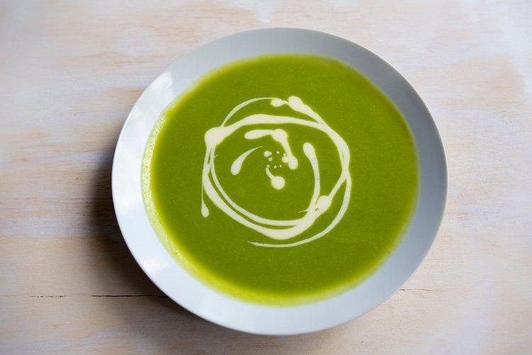 La crema de verduras tiene numerosos beneficios para la salud