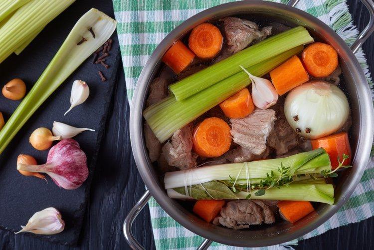 La blanquette de ternera es un plato muy típico en Francia