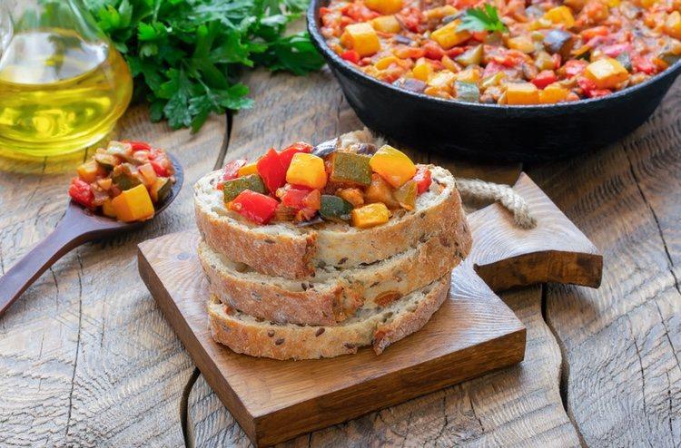 La fritada riojana se puede acompañar de pan u otros acompañantes