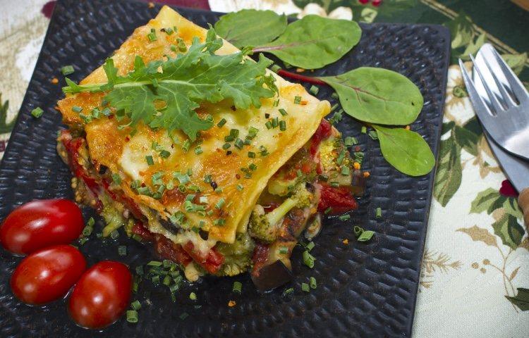 La lasaña es un plato típico de la gastronomía italiana