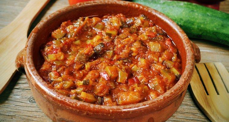 Es un plato ideal para servir como acompañante del arroz blanco