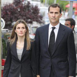 El Príncipe Felipe y la Princesa Letizia en la misa en recuerdo a Fernando Moreno