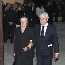 Teresa de Borbón-Dos Sicilias e Íñigo Moreno en el funeral de su hijo Fernando Moreno