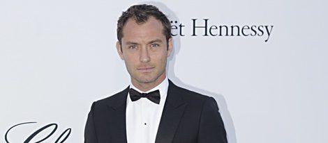 Jude Law en la gala amFAR en Cannes