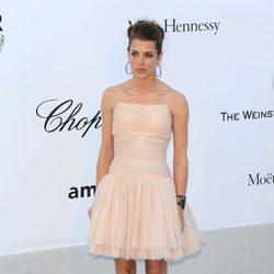 Carlota Casiraghi en la gala amFAR en Cannes