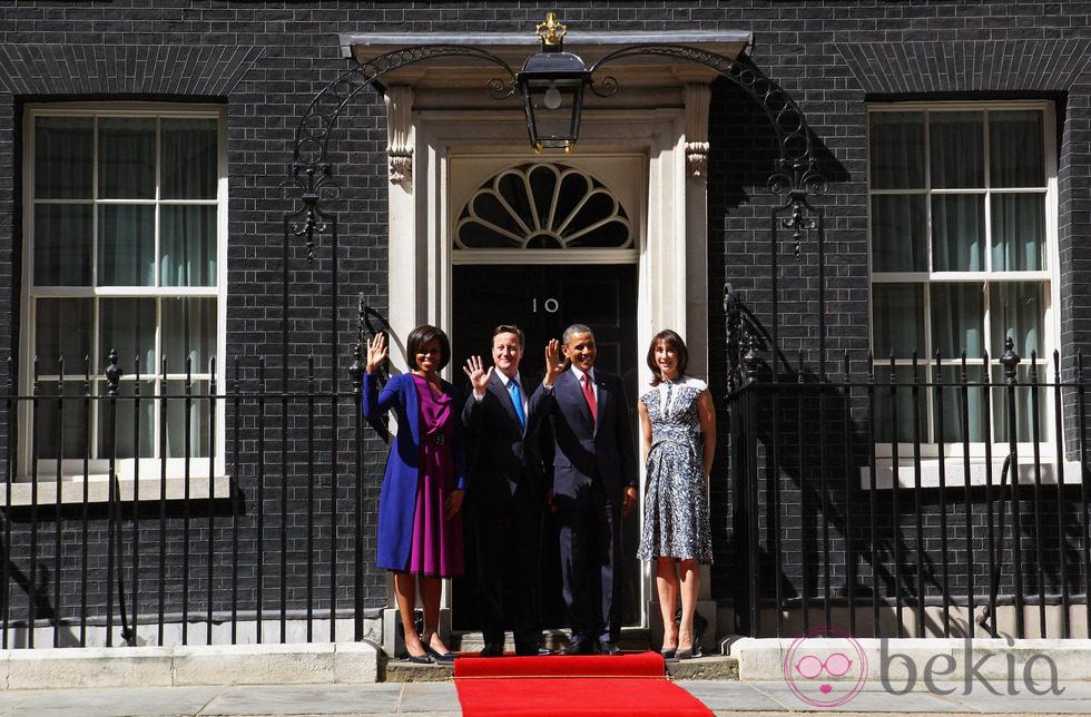Los Obama y los Cameron en Downing Street