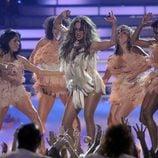 Jennifer Lopez actuando en 'American Idol'