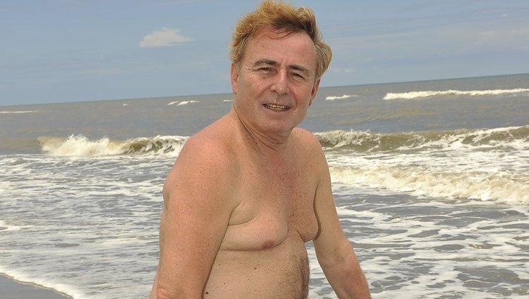 Tony Genil de 'Supervivientes 2011' en bañador