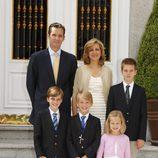 La familia Urdangarín en la primera comunión de Miguel