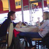 Sean Penn y Scarlett Johansson pillados
