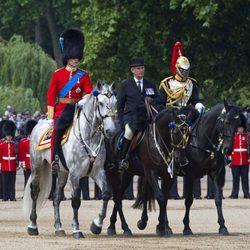 El Príncipe Guillermo ensaya para los actos de celebración del cumpleaños de Isabel II