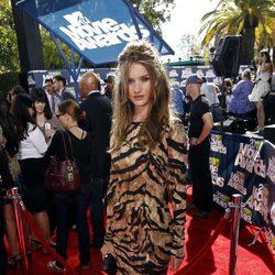 Rosie Huntington-Whiteley en la alfombra roja de los MTV Movie Awards 2011