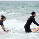 Blanca Suárez y Miguel Ángel Silvestre surfeando