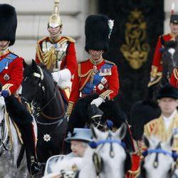 El Príncipe Guillermo, el Príncipe Carlos y el Príncipe de Kent en 'Trooping the colour'