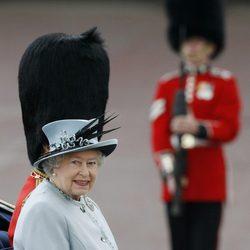 La Reina Isabel II en el desfile 'Trooping the colour'