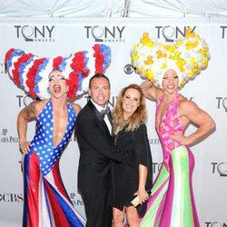 Tim Chappel y Lizzy Gardiner en los Premios Tony 2011