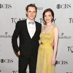 Reeve Carney y Jennifer Damiano en los Premios Tony 2011