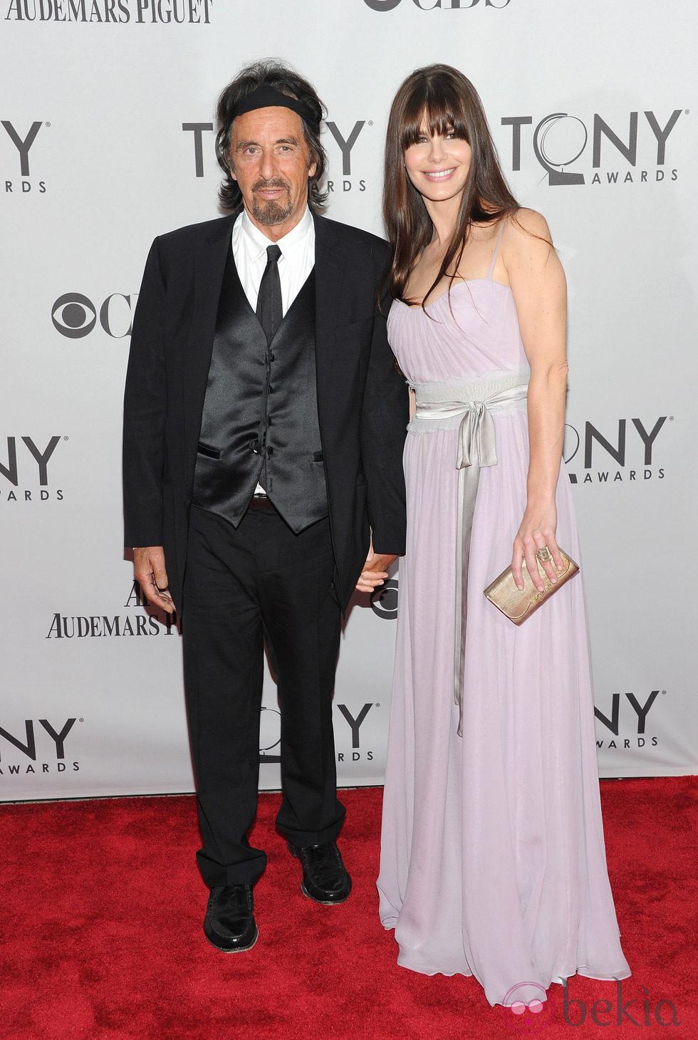Al Pacino y Lucia Sola en los Premios Tony 2011
