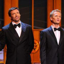 Hugh Jackman y Neil Patrick Harris en los Premios Tony 2011