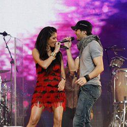 Nicole Scherzinger y Enrique Iglesias en el Summertime Ball