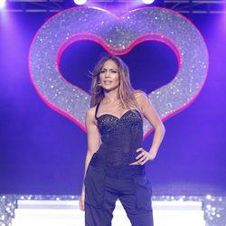 Jennifer Lopez actuando en el Summertime Ball