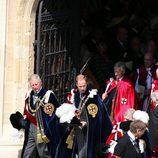 El Príncipe Carlos y el Príncipe Guillermo en la Jarretera