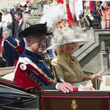 El Príncipe Carlos y la Duquesa de Cornualles en la Jarretera