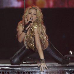 Shakira muy sexy en su concierto de París