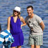 Fonsi Nieto ríe divertido junto a Alba Carrillo en Ibiza