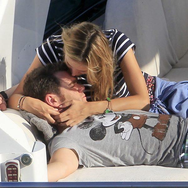 Fonsi Nieto y Alba Carrillo disfrutan de sus vacaciones en Ibiza