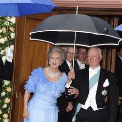 Los Príncipes Richard y Benedicta en la boda de su hija Natalia