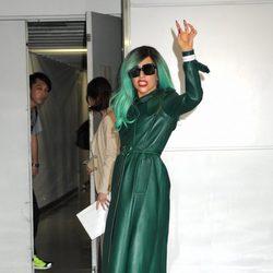 Lady Gaga de verde esperanza en Japón