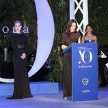 Kate Winslet junto a Ángeles González-Sinde en los Premios Yo Dona 2011