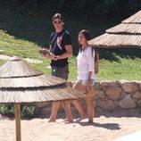 Fernando Torres y Olalla Domínguez en Porto Cervo