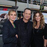 Julia Roberts, Tom Hanks y Rita Wilson en el estreno de 'Larry Crowne'