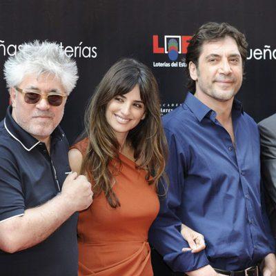 Almodóvar, Penélope Cruz y Javier Bardem en el Paseo de la Fama de Madrid