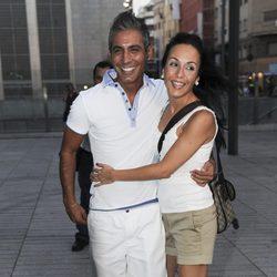 Pitingo junto a su mujer, Verónica,  en el concierto de Ricky Martin en Madrid