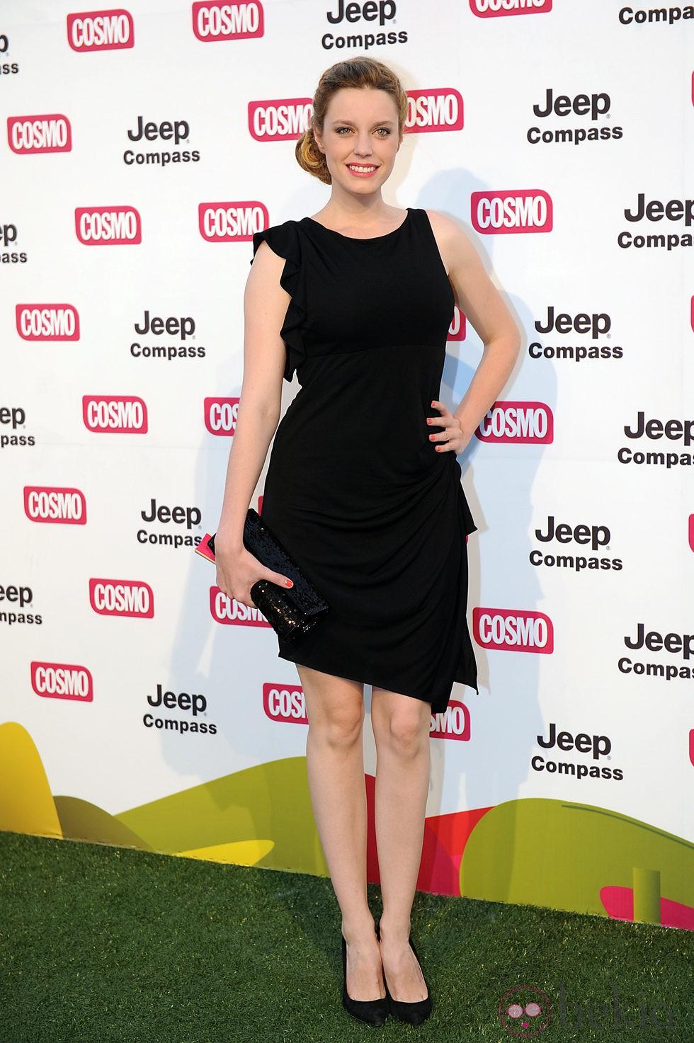 Carolina Bang en los Premios Pétalo de Rosa de Cosmopolitan