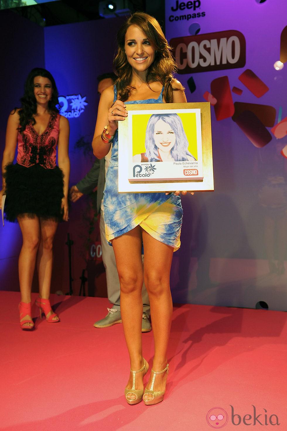 Paula Echevarría galardonada en los Premios Pétalo de Rosa de Cosmopolitan