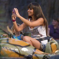 Cristina Pedroche disfrutando en el Parque de Atracciones