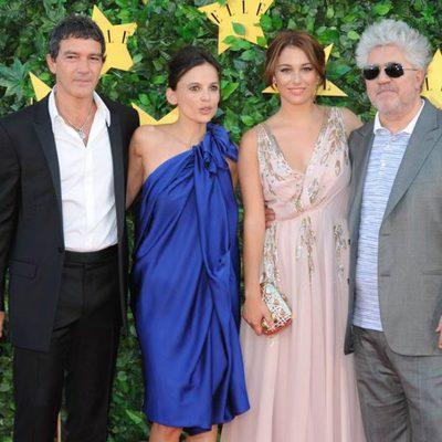 Antonio Banderas, Elena Anaya, Blanca Suárez y Pedro Almodóvar en la Fiesta 'Elle'