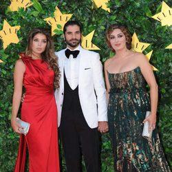 Javier Conde, Estrella Morente y su hermana en la Fiesta del 25 Aniversario de 'Elle'