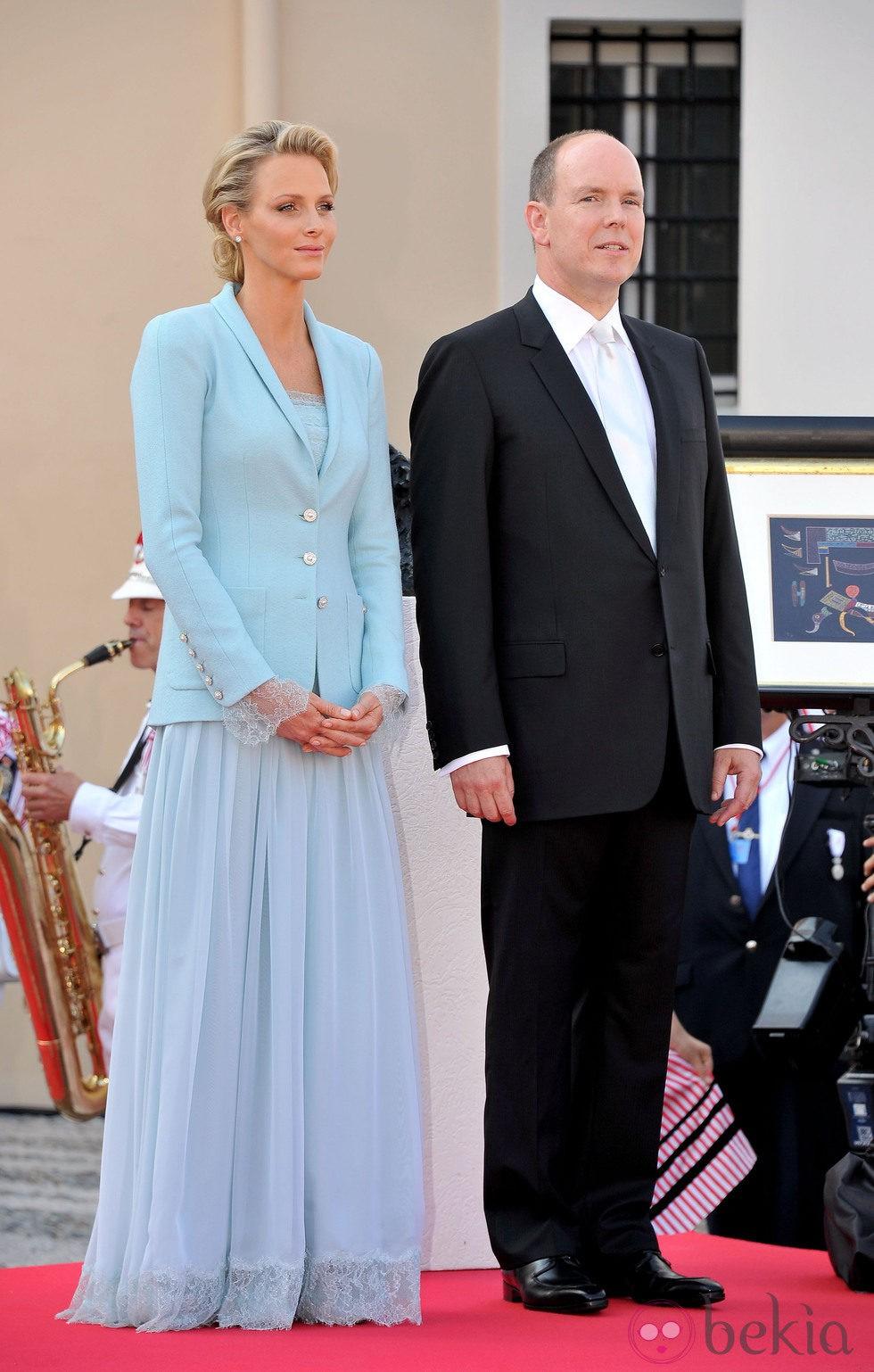 Los Príncipes Alberto II y Charlene de Mónaco tras su boda civil