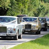 Las damas de honor llegan a la boda de Kate Moss y Jamie Hince