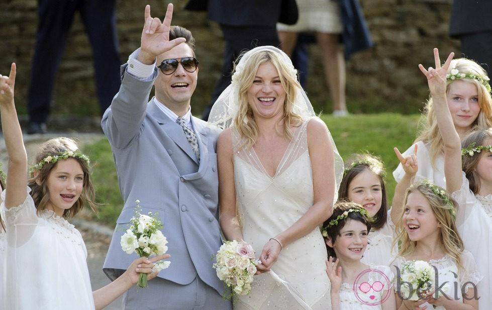 Kate Moss, feliz tras su boda con Jamie Hince