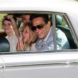 Lila Grace, hija de Kate Moss, feliz en la boda de su madre con Jamie Hince