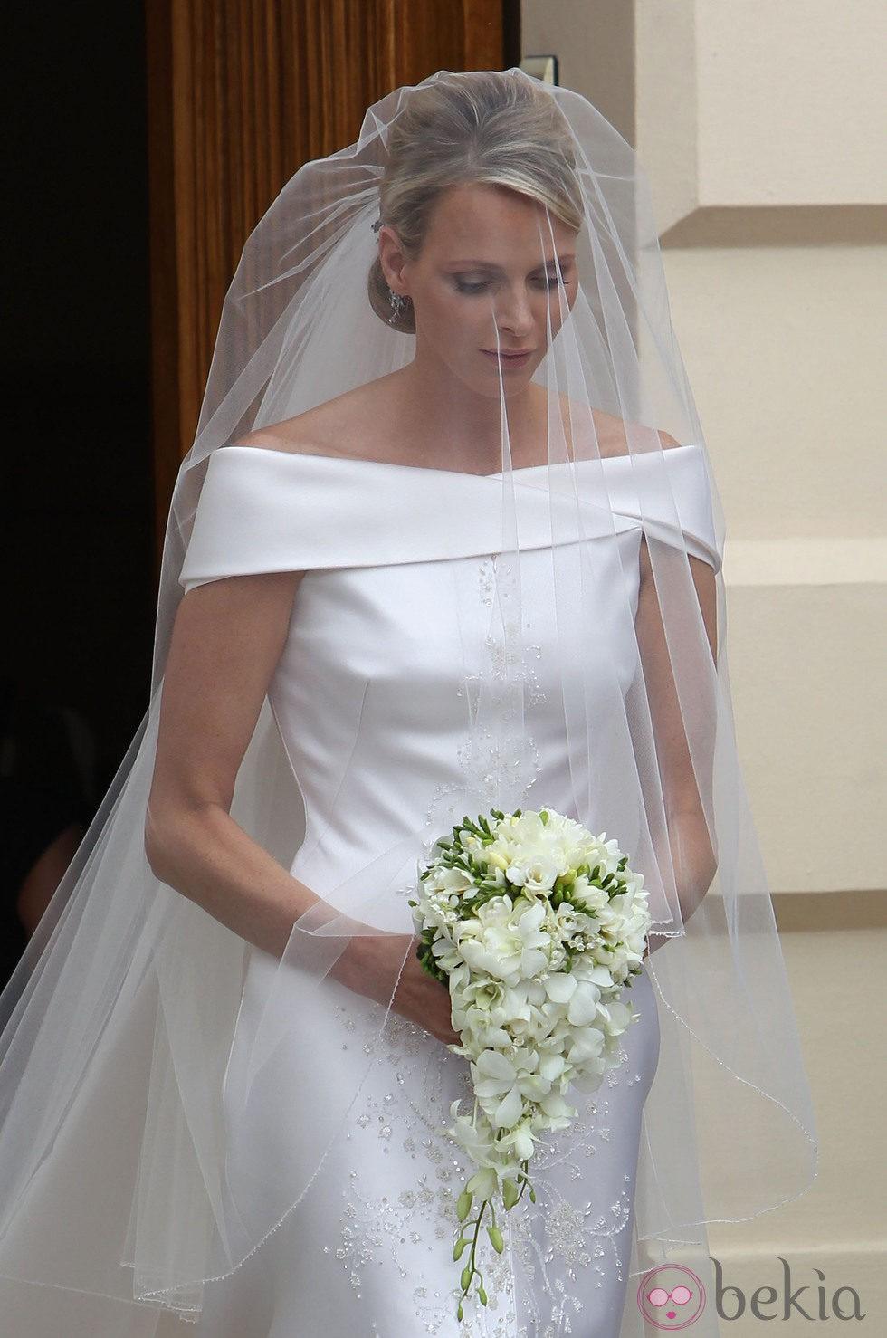 El traje de novia de Charlene Wittstock, diseñado por Armani
