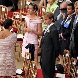 Carlota y Andrea Casiraghi y Estefanía de Mónaco en la boda de Alberto y Charlene